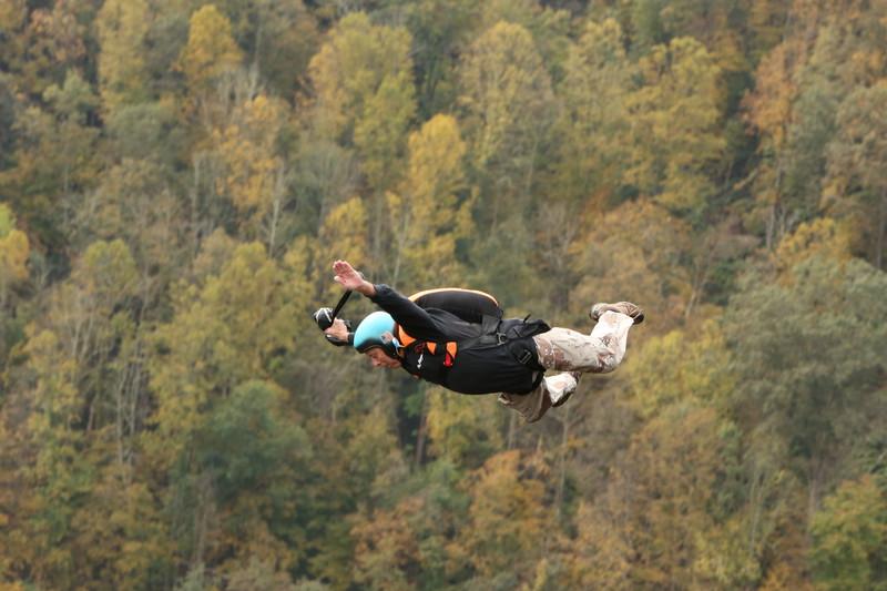1422586258_Oldest-BASE-jumper