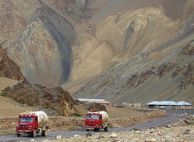 A road to Leh.... - Rajesh