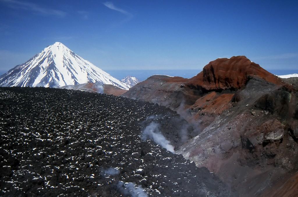 Kamchatka Volcanoes (photo by Giorgio Galeotti)