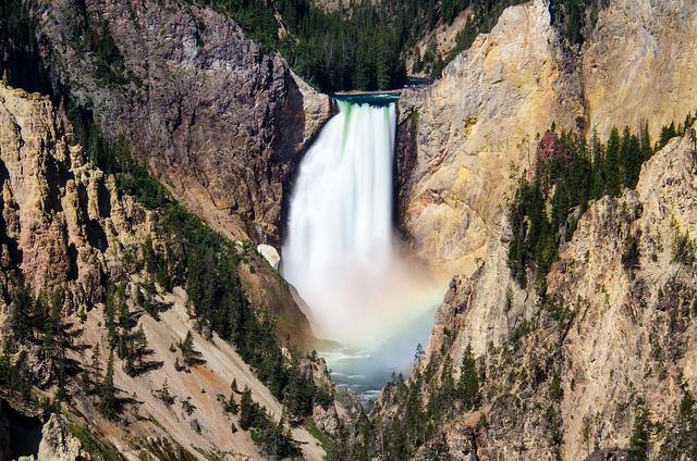 Grand Canyon of Yellowstone  (photo by m01229)
