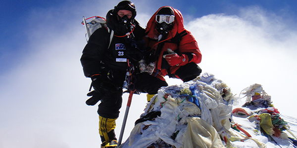 Special gear is needed to regularize breathing on the summit of Everest (Photo credit: Moutasche Magazine)