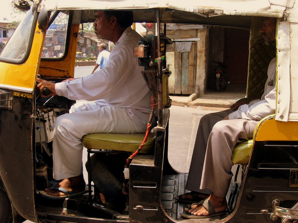 driving with a tuk-tuk and not being ripped off