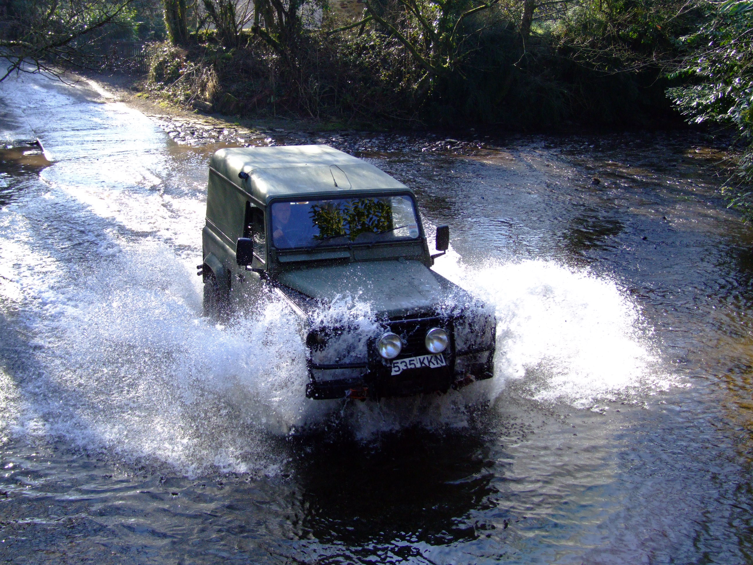 cleaning mud off 4x4