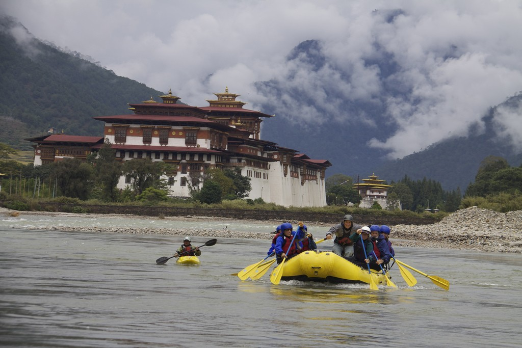 kayaking in bhutan