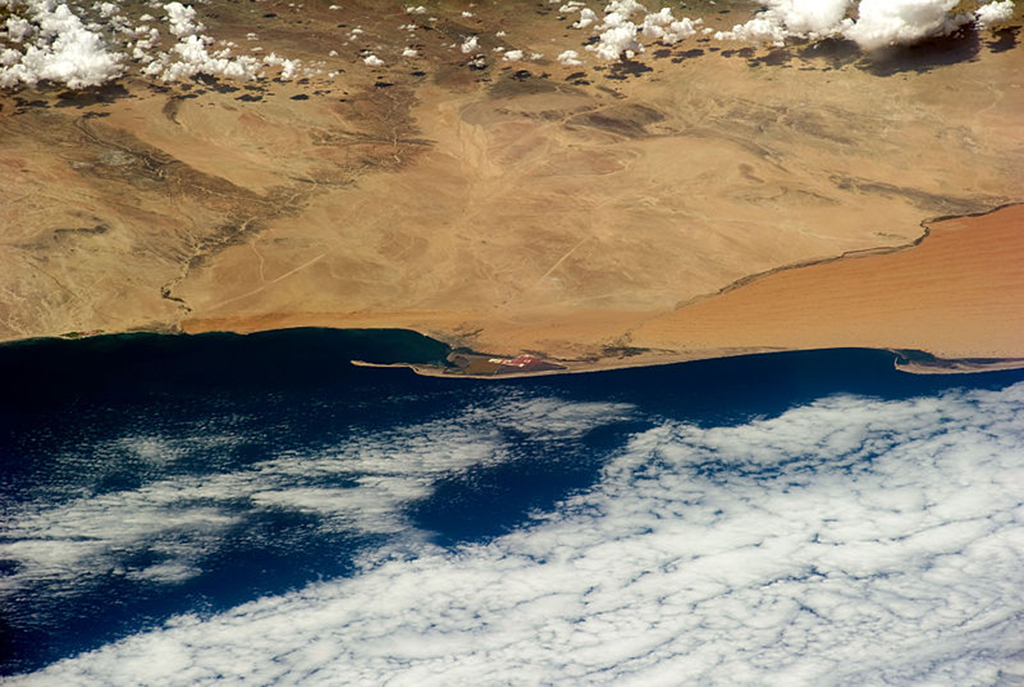 800px-STS-133_An_oblique_view_of_Walvis_Bay_Namibia