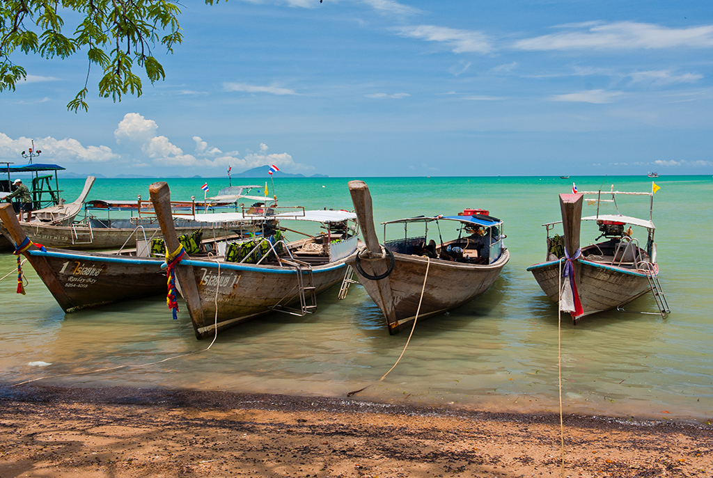 Ao_Nang,_Mueang_Krabi_District,_Krabi,_Thailand_-_panoramio_(39)