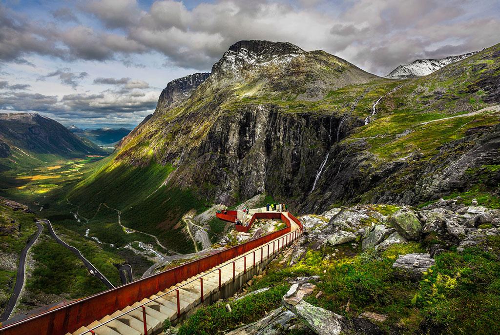 Trollstigen_viewpoint