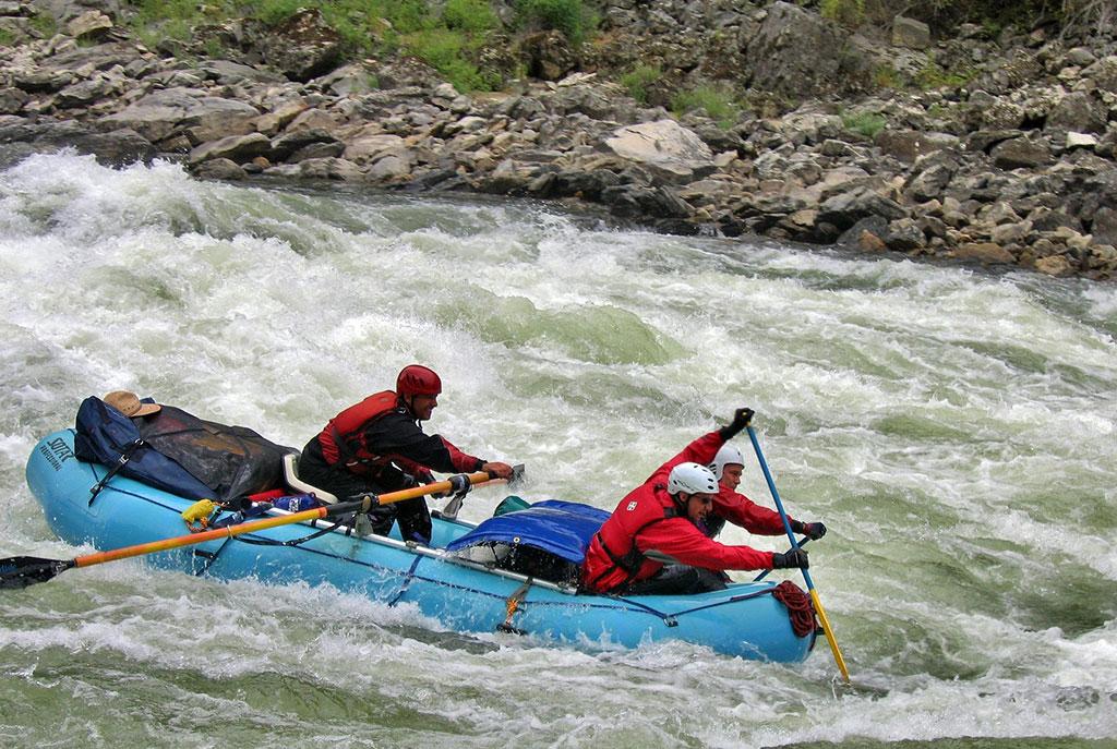 rafting-175603_1920