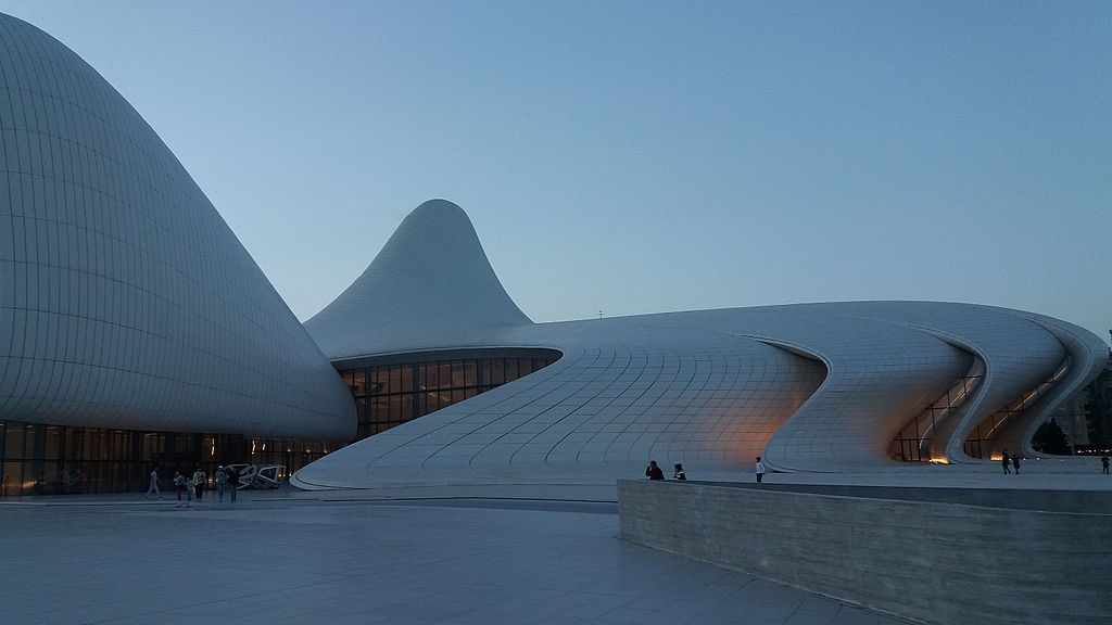 Right_wing_of_Heydar_Aliyev_Center,_Baku_Azerbaijan