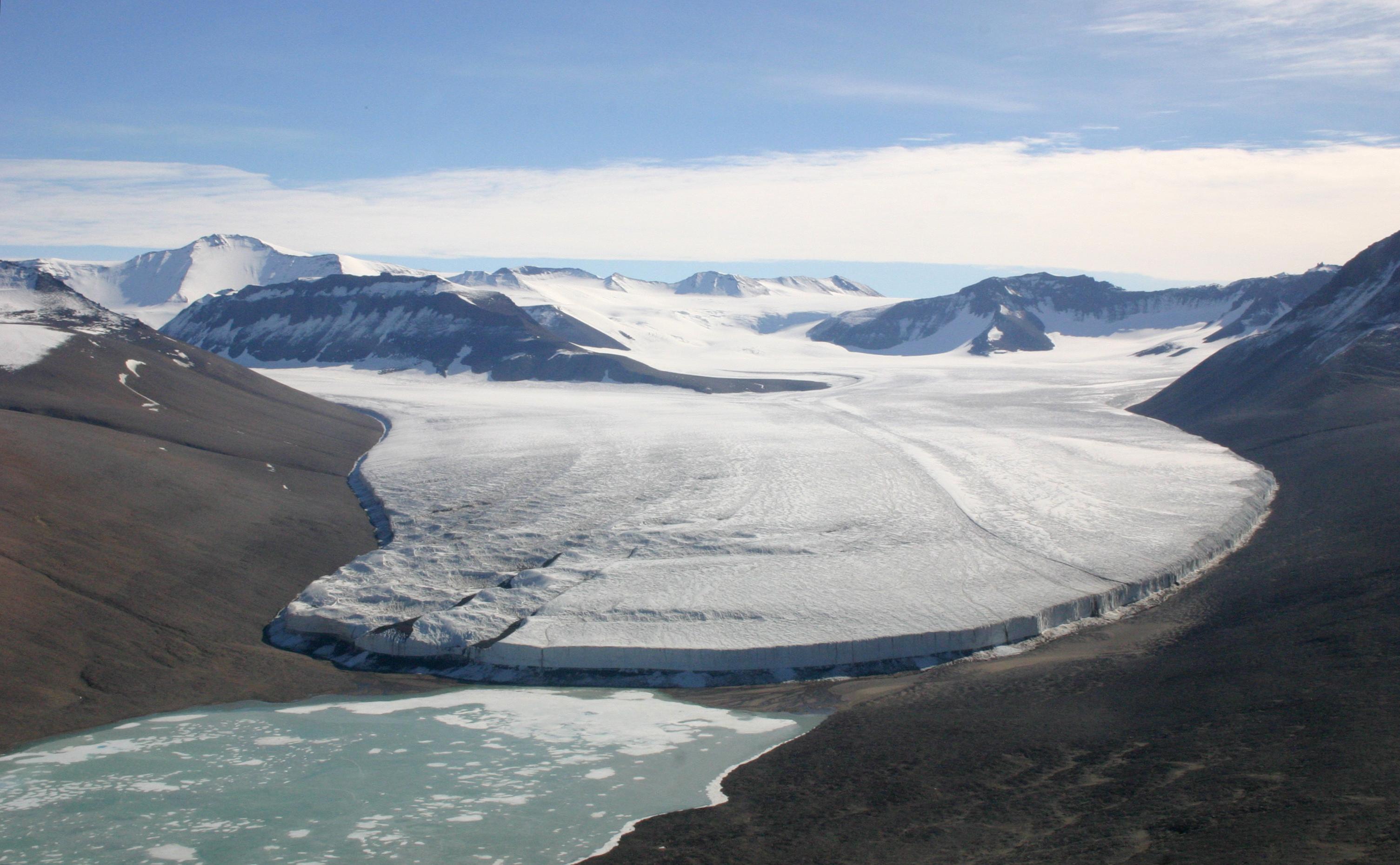 Upper_Victoria_Glacier